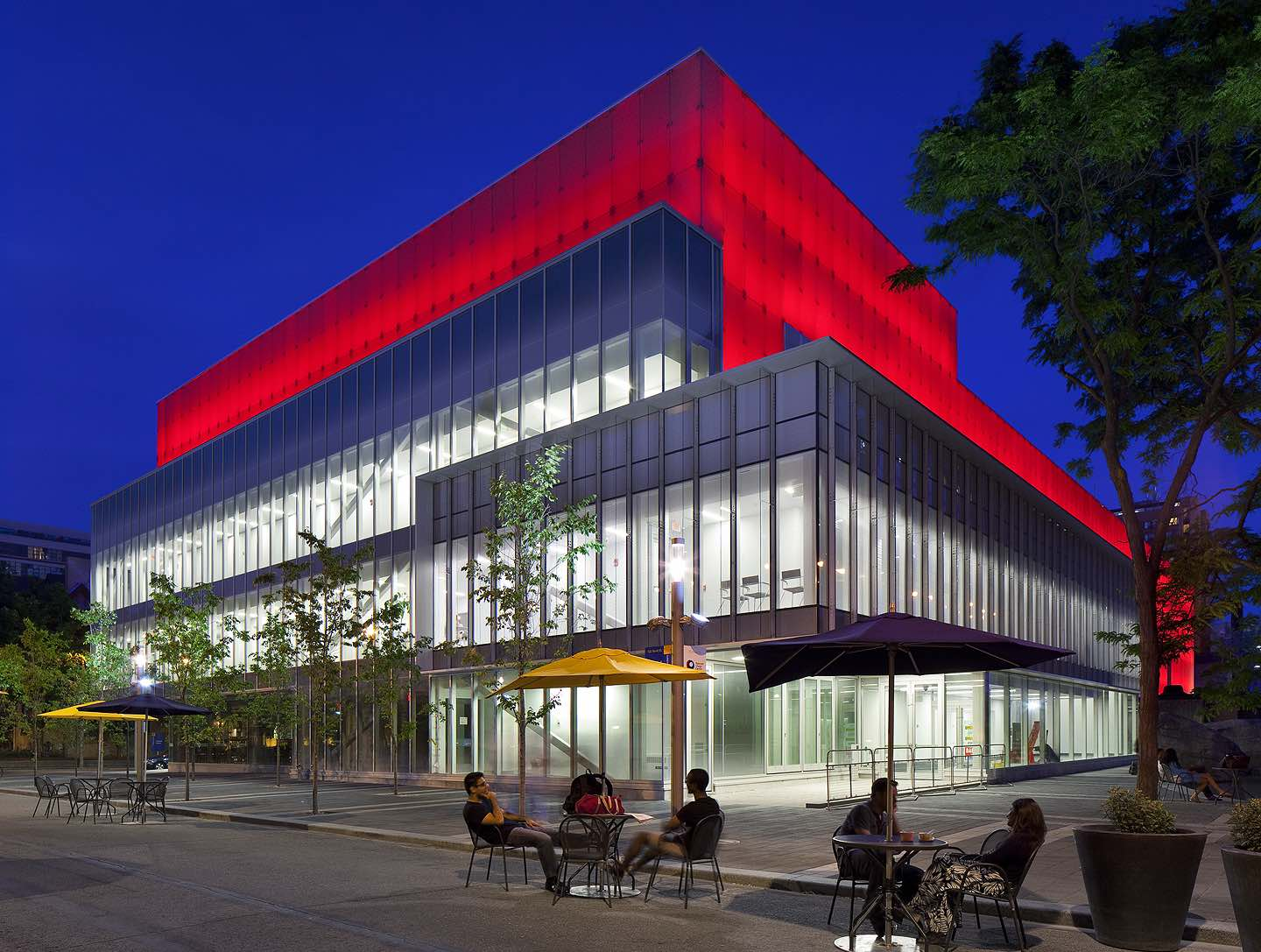 ryerson image centre. photo by tom arban.