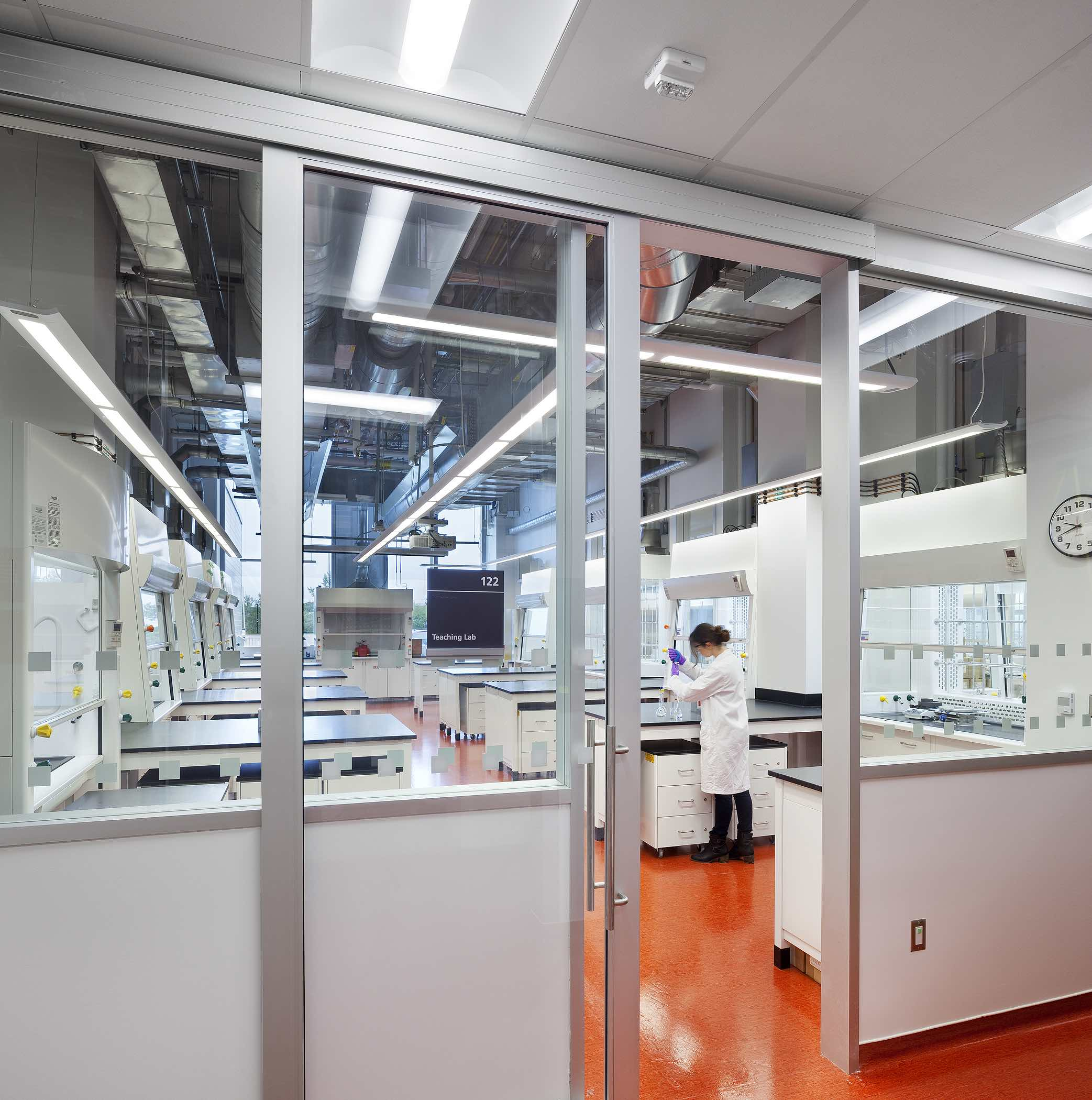 View of undergrad teaching lab. Photo by Tom Arban.