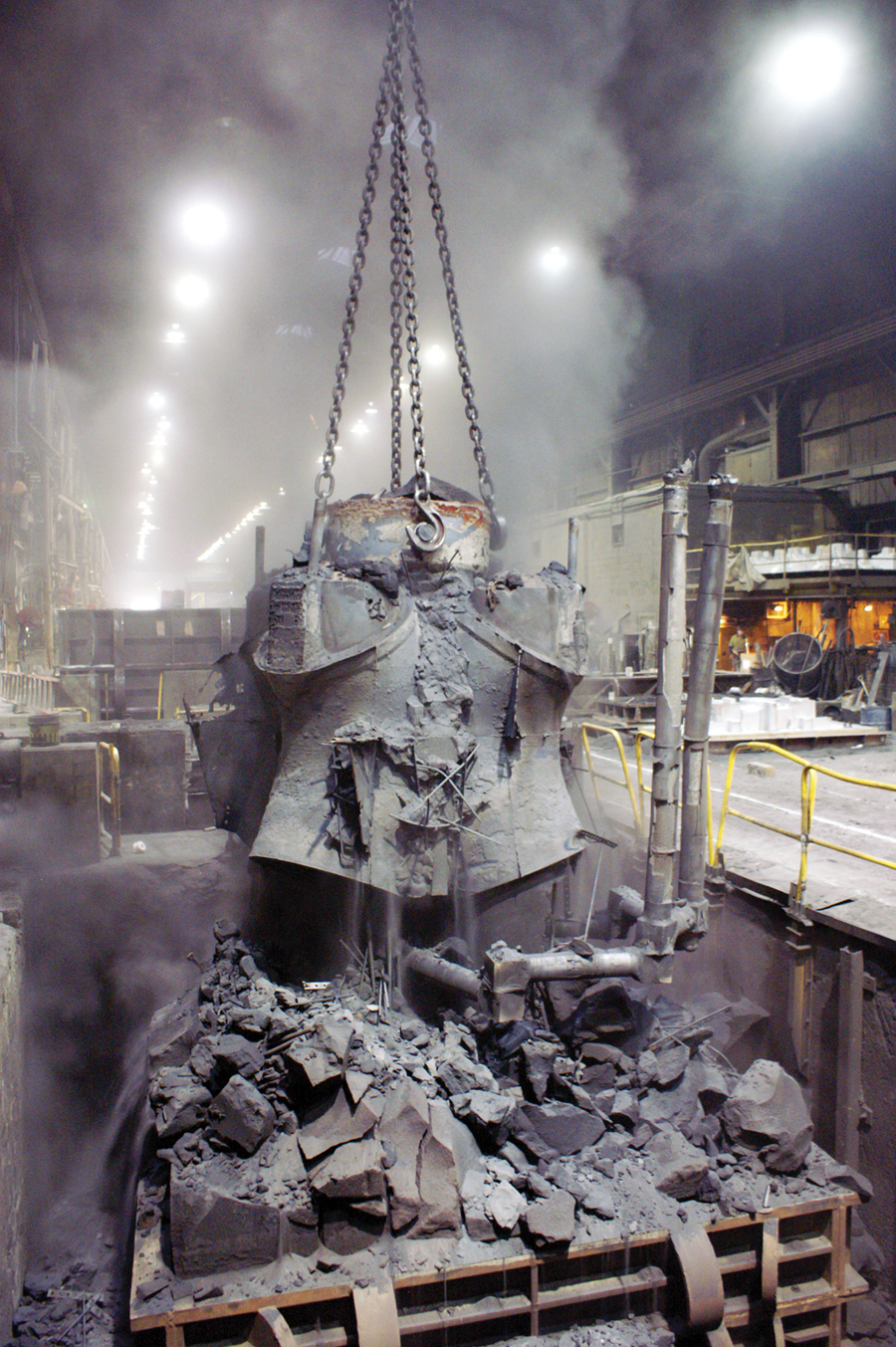 A cast steel connecting node is removed from its sand mould. (Photo: Cast Connex)