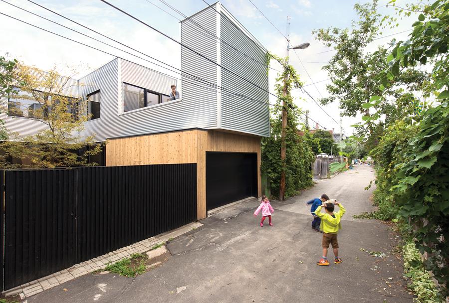 House at 18 de Gaspé. Photo: Maxime Brouillet. | Résidence au 18 rue de Gaspé. Photo: Maxime Brouillet.