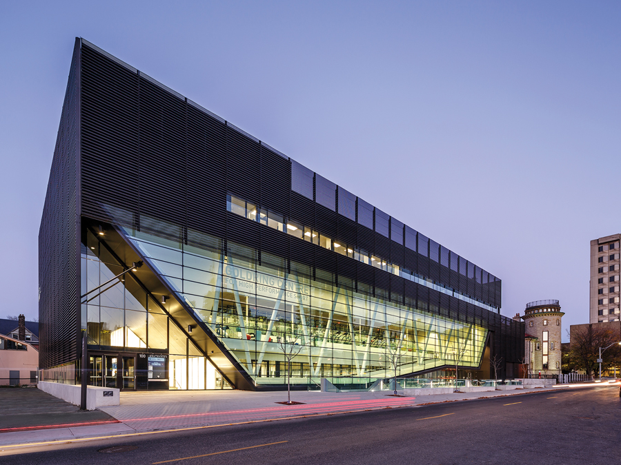 University of Toronto Goldring Centre for High Performance Sport. Photo: Doublespace Photography. | Centre Goldring pour les sports de haute performance de l'Université de Toronto. Photo: Doublespace Photography.