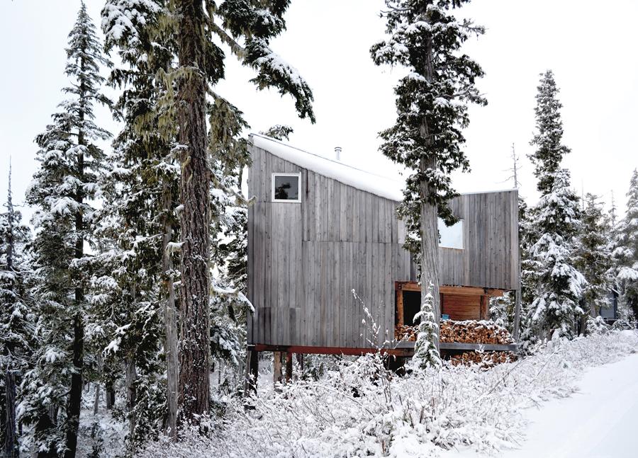 Alpine cabin. Photo: Scott & Scott Architects. | Chalet de montagne. Photo: Scott & Scott Architects.