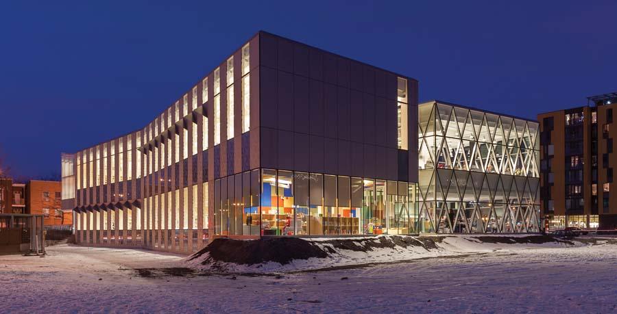 La bibliothèque Marc-Favreau à Montréal, de Dan Hanganu architectes. | The Marc Favreau Library in Montreal by Dan Hanganu Architectes.