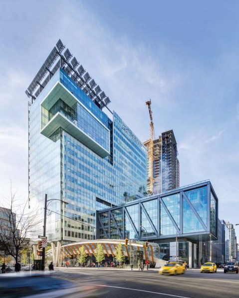 The ambitious TELUS Garden complex includes an office tower with a bar-shaped volume daringly cantilevered over streets on either side. Photo by Ed White Photographics