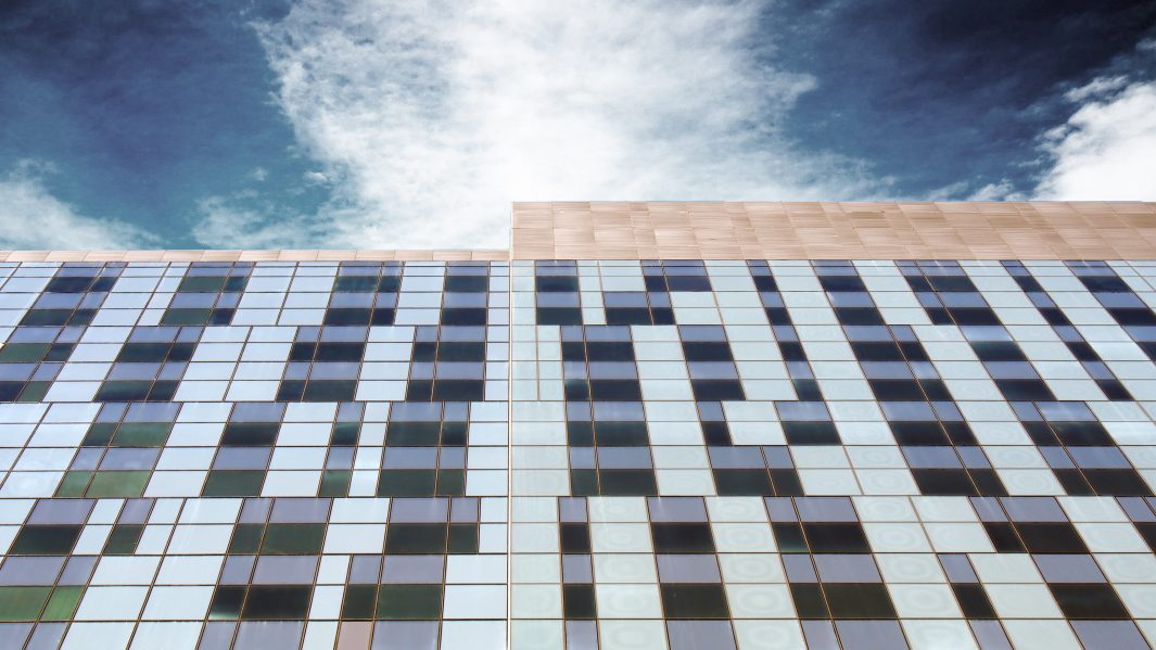 Curtain Wall facade along Viger Avenue Photo credit: CannonDesign + NEUF architect(e)s