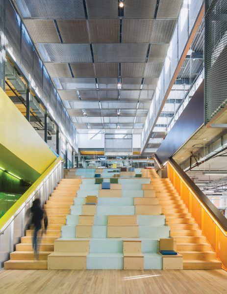 A grand staircase acts as a gathering spot for library patrons to read, meet and chat. Conceptually, the stair is the inverse of the formal theatre, putting ordinary people in the centre of the action at the heart of the building.