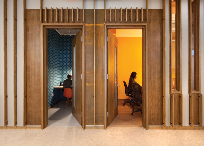 A series of private rooms provides space for quiet work and for small meetings. Photo by Claude-Simon Langlois