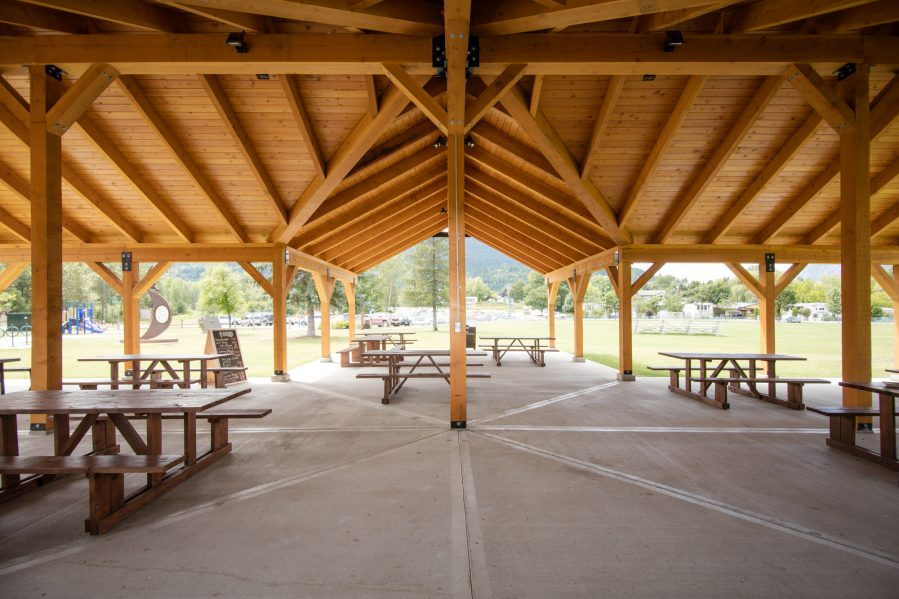 The Association of Kootenay Boundary Local Governments were recognized by Wood WORKS! BC for the Celgar Pavilion in the City of Castlegar. CNW Group/Canadian Wood Council