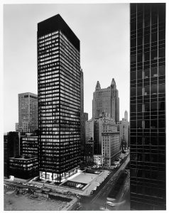 A view of the Seagram Building from 1958. CCA © Ezra Stoller / Esto